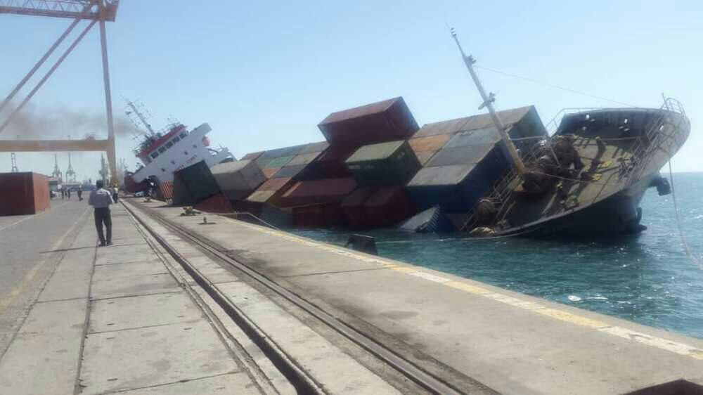 غرق شدن کشتی تجاری