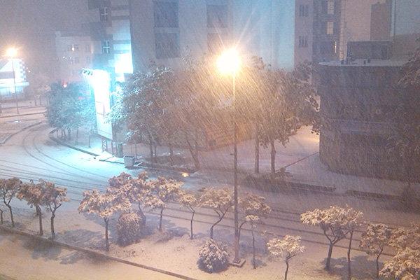 برف و باران در انتظار کرمانشاه