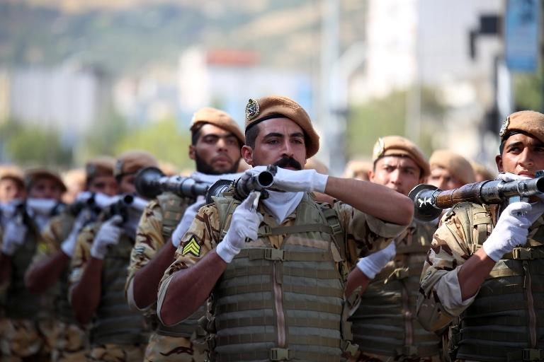رژه نیروهای مسلج سنندج