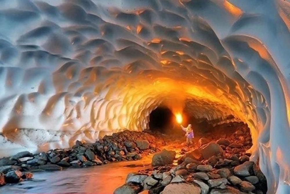 غار نمک  جزیره قشم