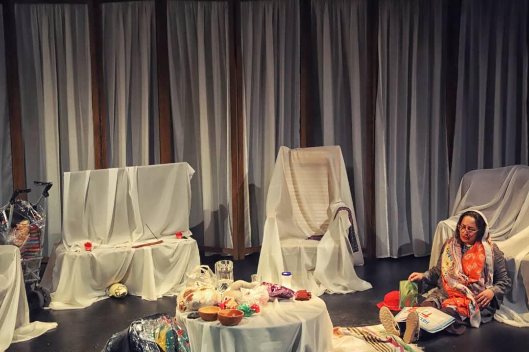 میترا مومنی در نمایش جنین جن زده