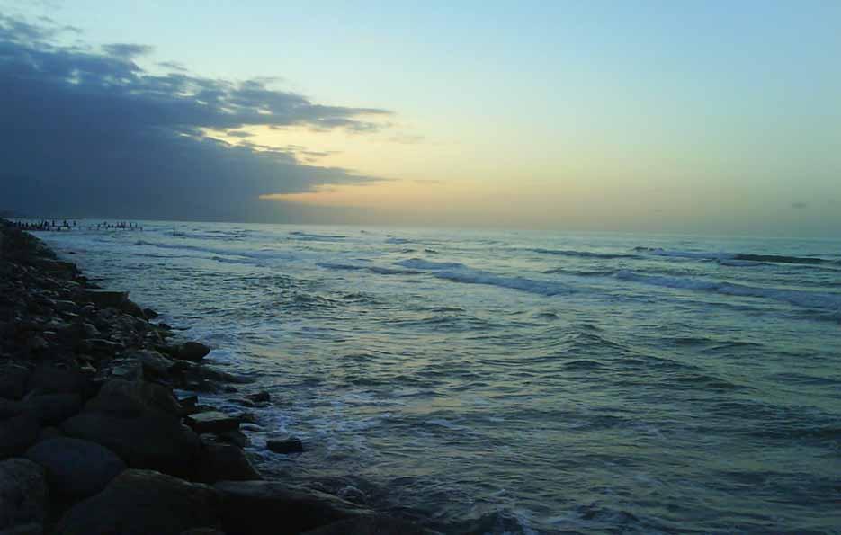 آب دریای خزر