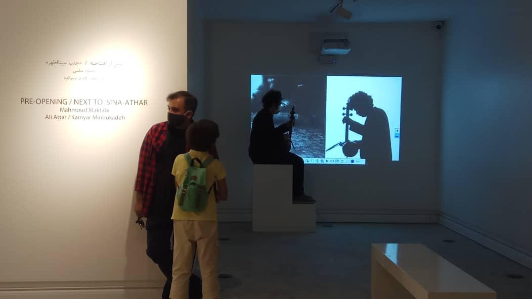 عاشقان بی مزار در نمایشگاه جنب سینا اطهر اثر محمود مکتبی