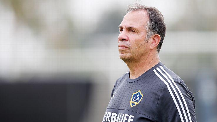 بروس آرنا استعفا از سرمربیگیری تیم آمریکا