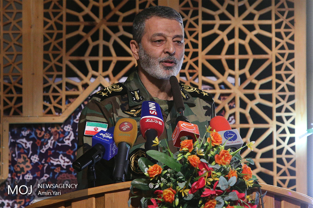 امیر سرلشکر سید عبدالرحیم موسوی فرمانده کل ارتش