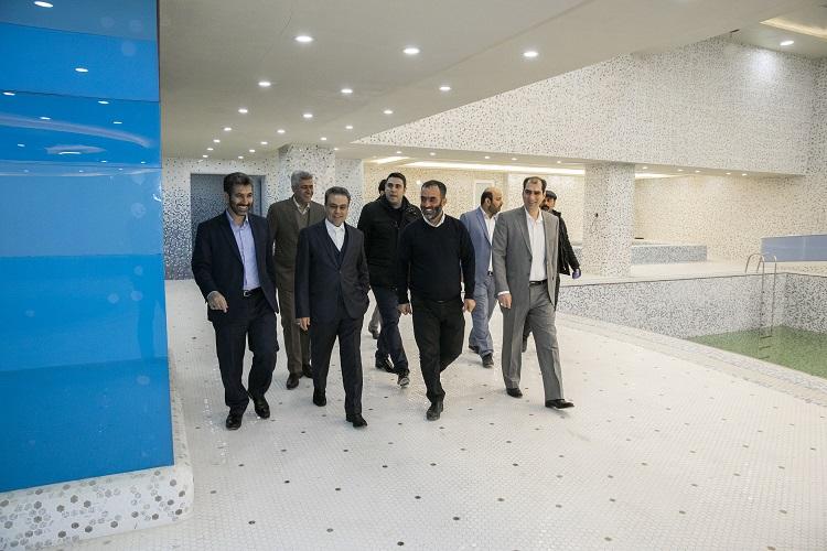 بازدید مدیرعامل بانک ملت از موسسه خیریه بهشت امام رضا (ع) (4)