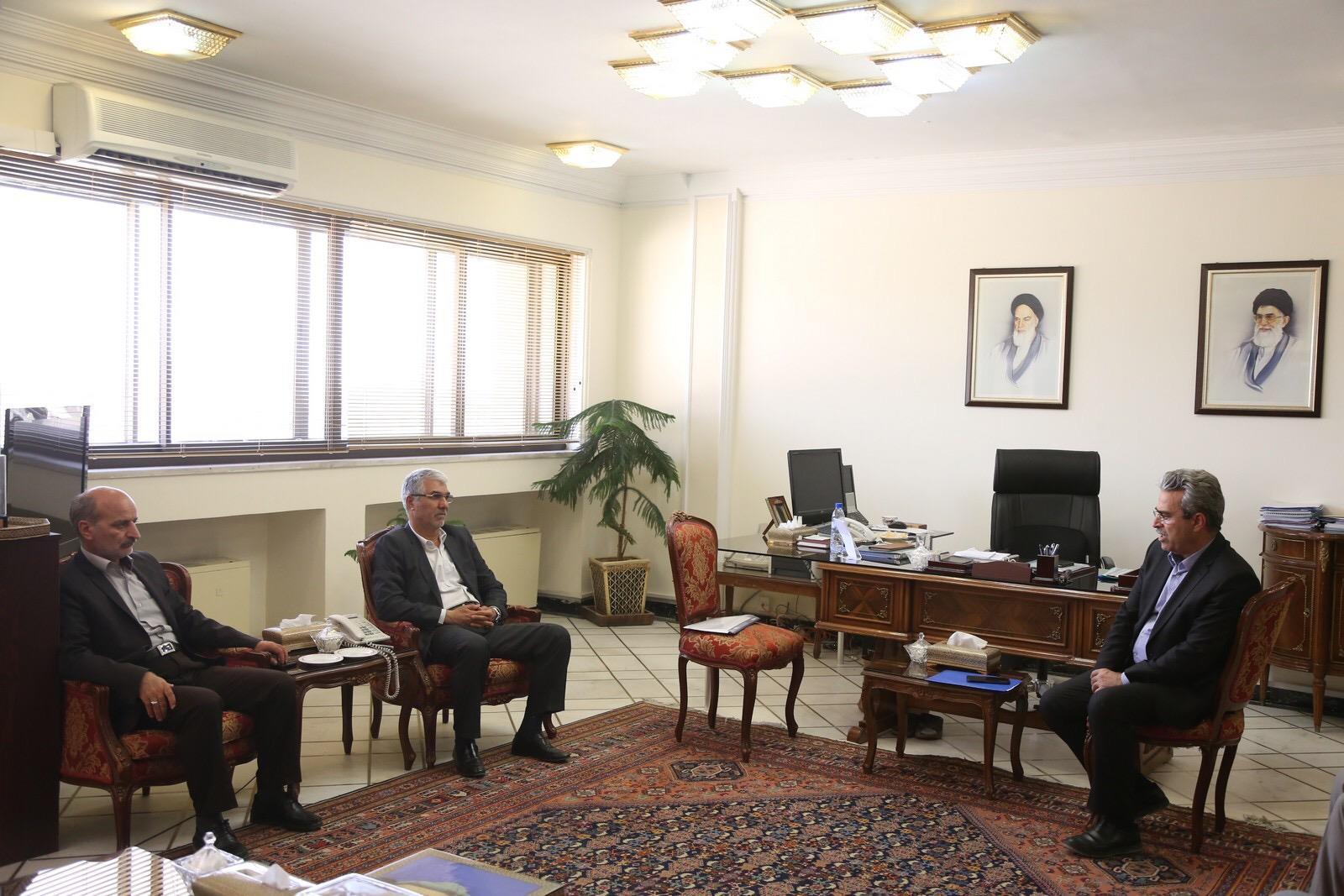 استاندار فارس در دیدار مدیران و کارشناسان سازمان برنامه و بودجه کشور