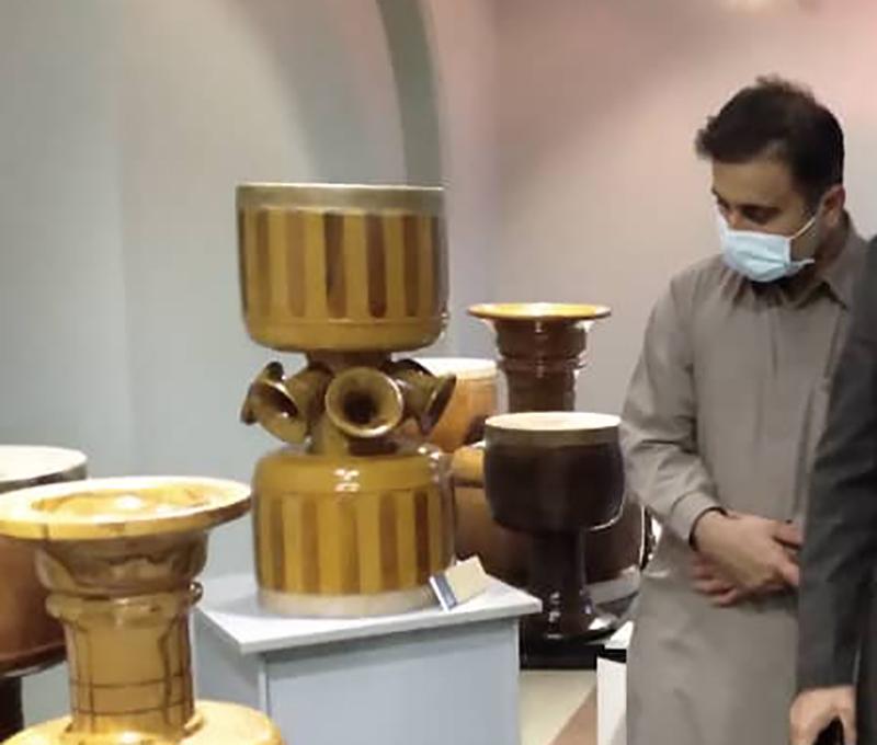معین الدین سعیدی در نمایشگاه گنجینه مانا مانا