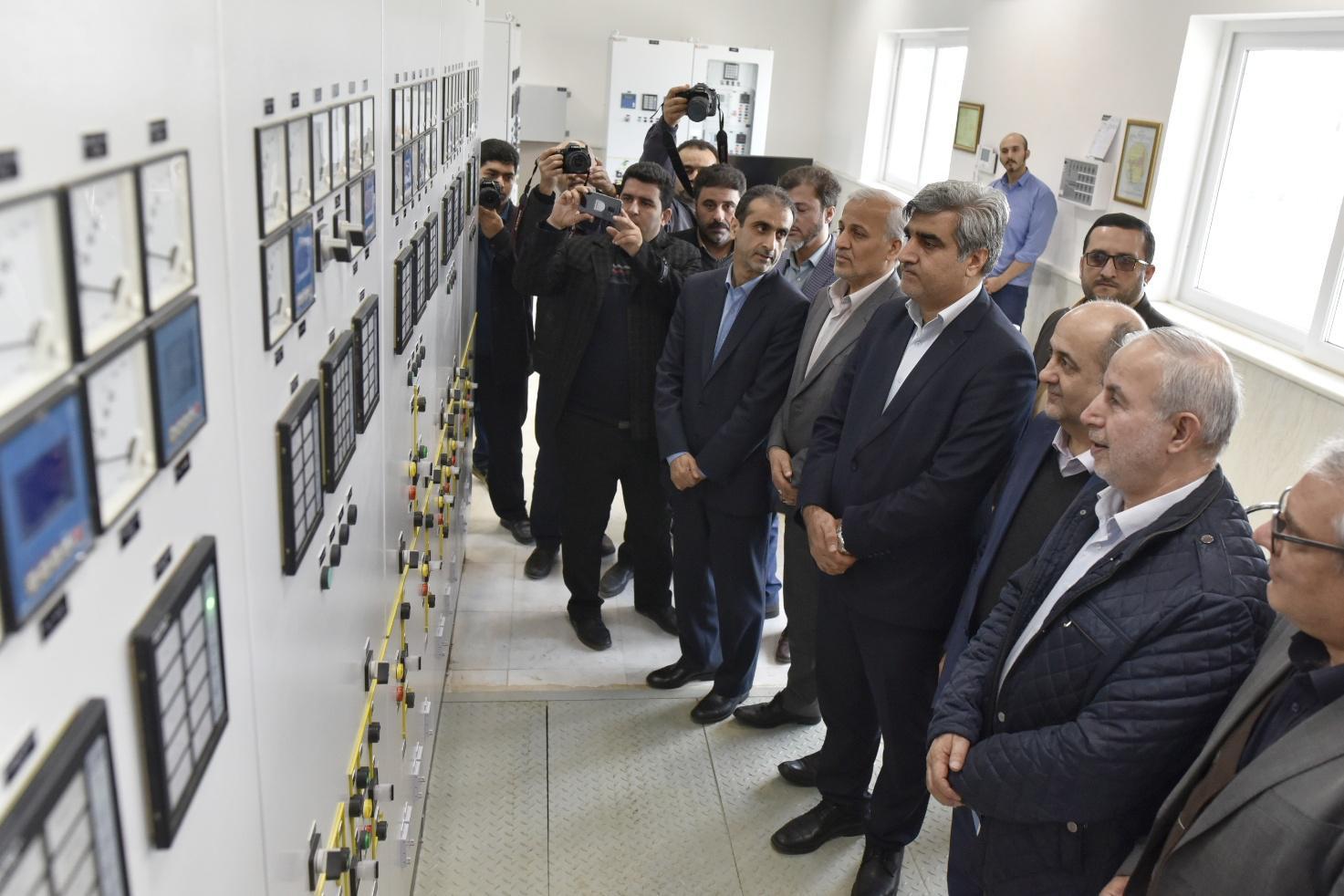 آغاز بهره برداری از پروژه های ملی و زیربنایی برق در رشت