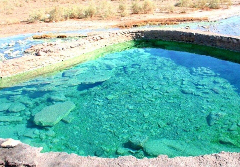 چشمه چاه احمد در بندرلنگه