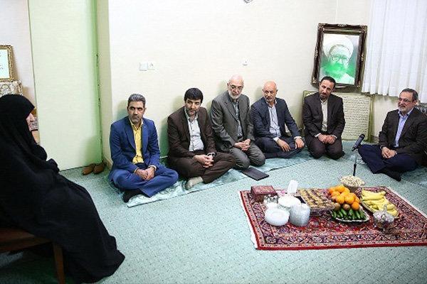 دیدار وزیر آموزش و پرورش با خانواده شهید مطهری