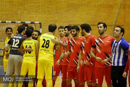 دیدار تیم های فوتسال تاسیسات دریایی و گیتیپسند اصفهان
