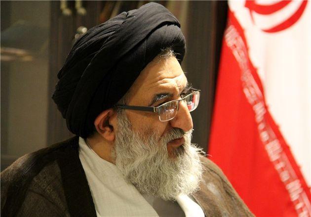 نماینده ولی فقیه در استان البرز رای خود را به صندوق انداخت