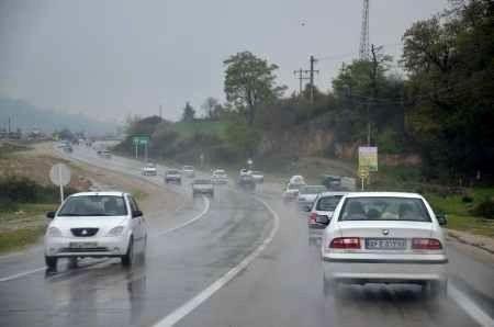 لغزندگی جاده های گیلان به دلیل بارندگی