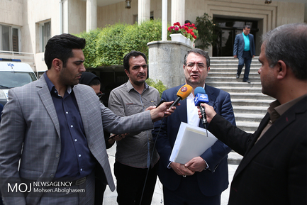 حاشیه جلسه هیات دولت -  ۱۸ اردیبهشت ۱۳۹۸/رضا رحمانی وزیر صنعت، معدن و تجارت