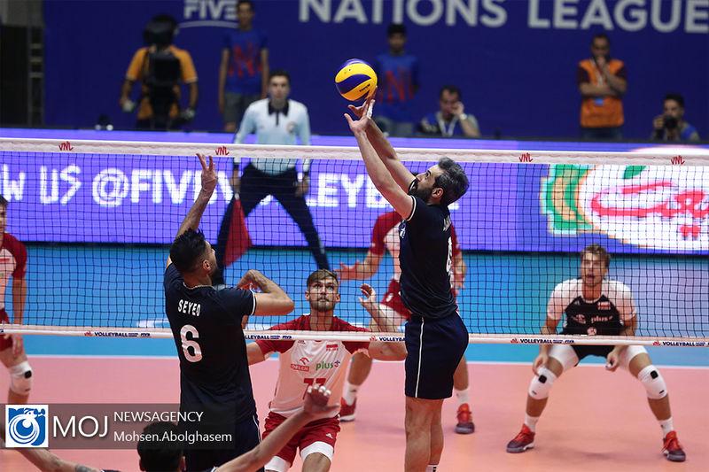 نتیجه بازی والیبال ایران و لهستان/ لهستان هم مقابل ایران زانو زد
