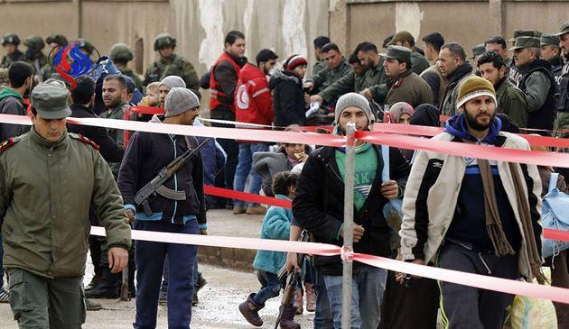 آغاز خروج عناصر مسلح از محله الوعر حمص