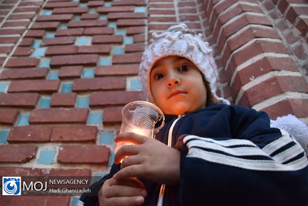 آیین شمع گردانی در اردبیل