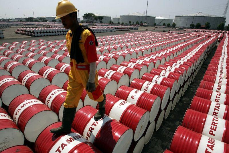 عرضه نفت ایران با قیمت های متفاوت در بنادر مختلف جهان