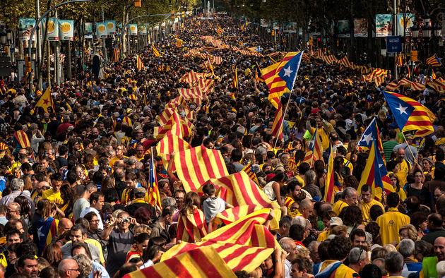 محکومیت خشونت پلیس توسط معترضان کاتالونیایی