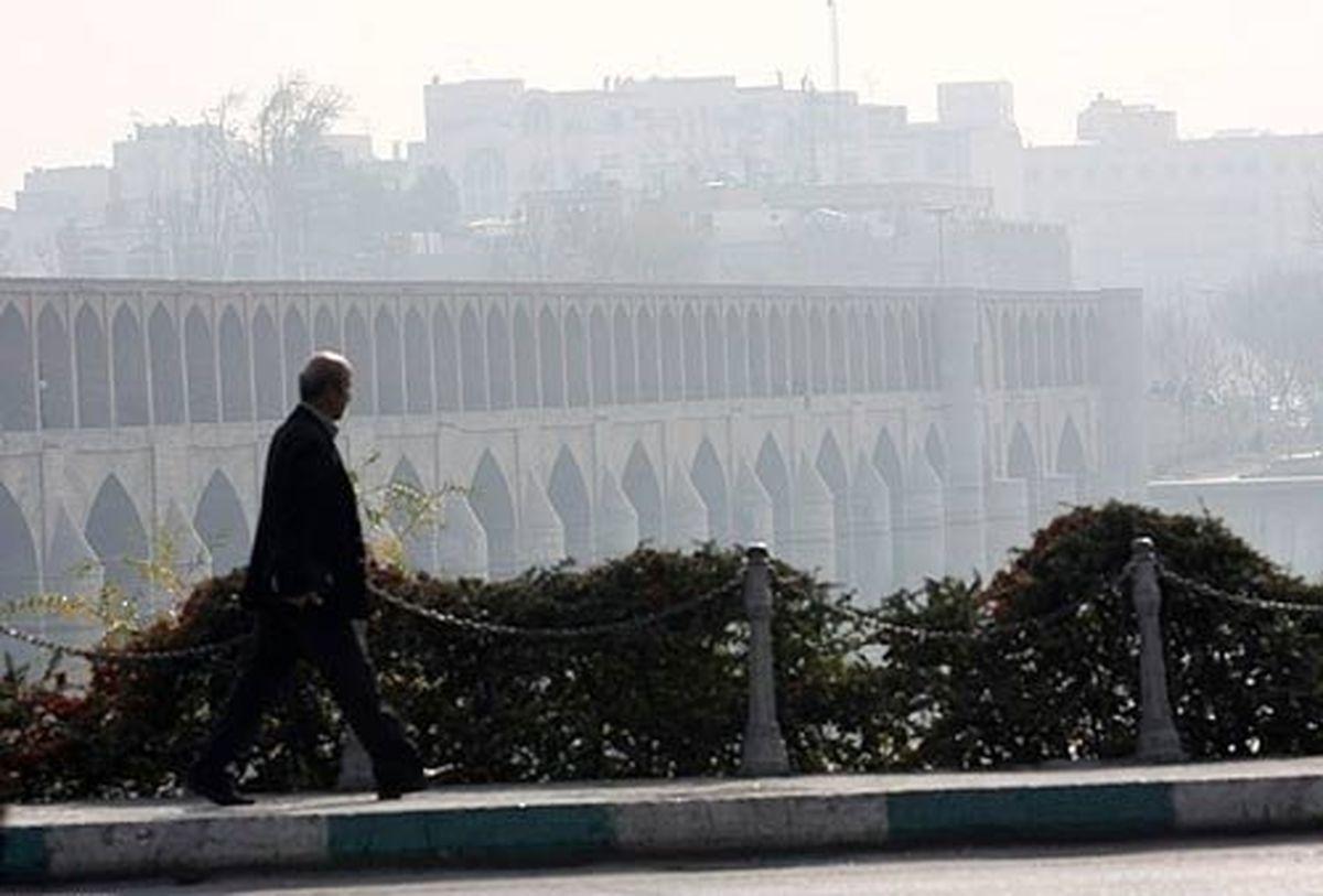 کیفیت هوای اصفهان همچنان برای عموم مردم ناسالم است
