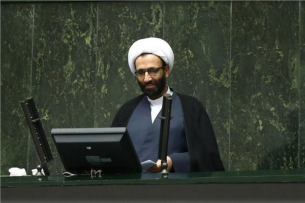 اعتراض نماینده مجلس به صداگذاری منتسب به وی