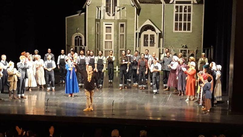 اجرای نمایش موزیکال مری پاپیز پایان یافت / پایبندی به اجرای تعهدات به علاقمندان
