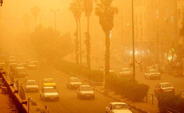 گرد و غبار ادارات شهرستان خوزستان را تعطیل کرد