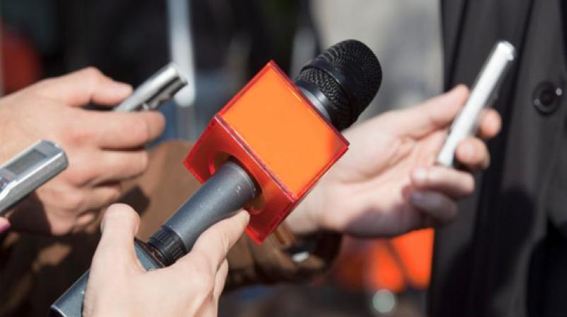 اصحاب رسانه باید مطالبه گر و پرسش گر باشند