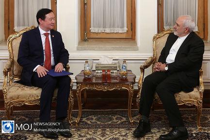 تقدیم رونوشت استوارنامه سفیر چین به ظریف