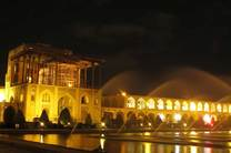 پایان عملیات ساماندهی نورپردازی ایوان کاخ عالی قاپو اصفهان