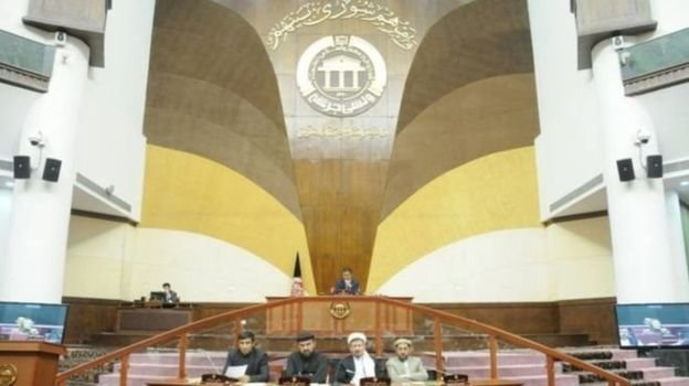 پارلمان افغانستان وزرای دفاع و کشور و رئیس امنیت ملی را استیضاح میکند