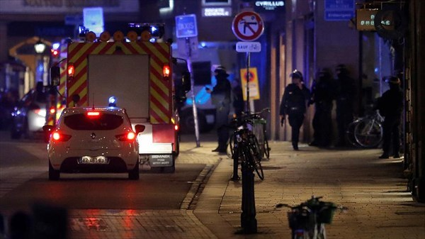 جزئیات تیراندازی در فرانسه/ 3 نفر کشته شدند