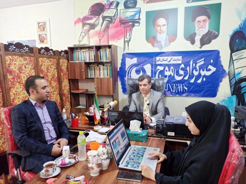 بازدید رئیس روابط عمومی سرپرستی بانک ملی ایران قم از دفتر خبرگزاری موج