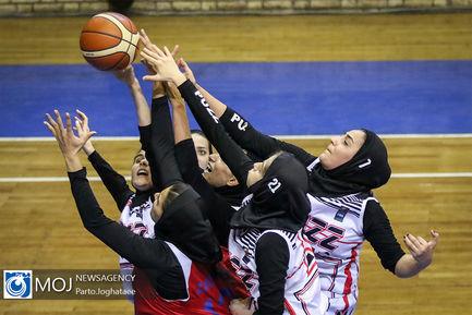 دیدار+تیم+های+بسکتبال+بانوان+پاز+تهران+و+گروه+بهمن