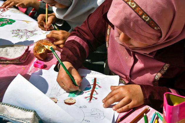 """برگزاری مسابقه کشوری نقاشی """"کودک و خانواده"""""""