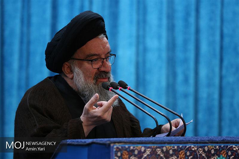 دشمنان آرزوی انزوای حوزه های علمیه را به گور خواهند برد/ با تصویب لوایح چهارگانه، پای دشمنان به کشور باز میشود