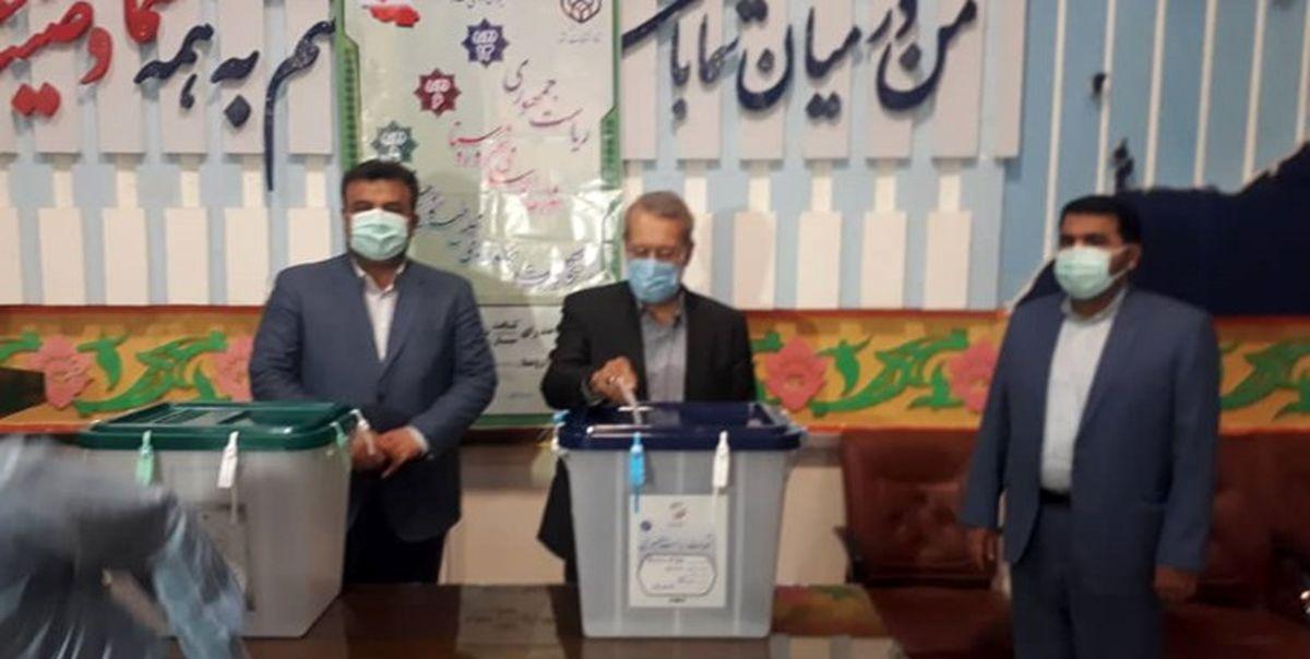 علی لاریجانی در مازندران رأی خود را به صندوق انداخت