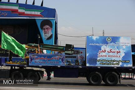 رژه یگان های زرهی نیروهای مسلح در تهران