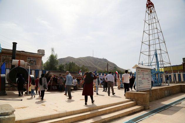 چاه شماره یک نفت و گاز مسجد سلیمان مورد بازدید بیش از هزار و پانصد نفر  قرار گرفت