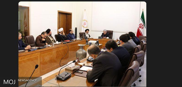راهکارهای گسترش همکاریهای بانک ملی ایران و مرکز خدمات حوزههای علمیه بررسی شد