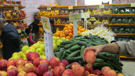 عرضه نارنگی پیشرس در بازار میوه مازندران آغاز شد/قیمت موز به 8 هزار تومان رسید