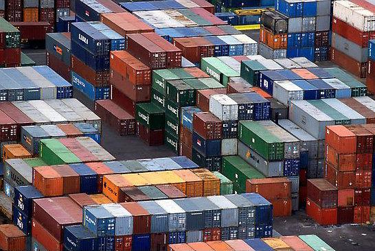سهمیه واردات پوشاک ۷ منطقه آزاد کشور تا پایان سال جاری اعلام شد