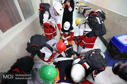مانور+زلزله+در+خوابگاه+دختران+دانشگاه+پزشکی