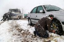 راهداران  شهرستان خلخال مشغول عملیات برف روبی هستند
