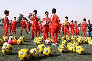 شرکت بیش از 2500 جوان و نوجوان در کلاسهای فوتبال و والیبال طرح تابستانه