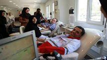 علی اصغر پیوندی خون اهدا کرد