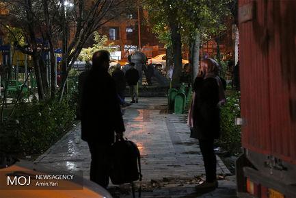 حضور برخی از مردم تهران در پارک و خیابان پس از احساس زلزله