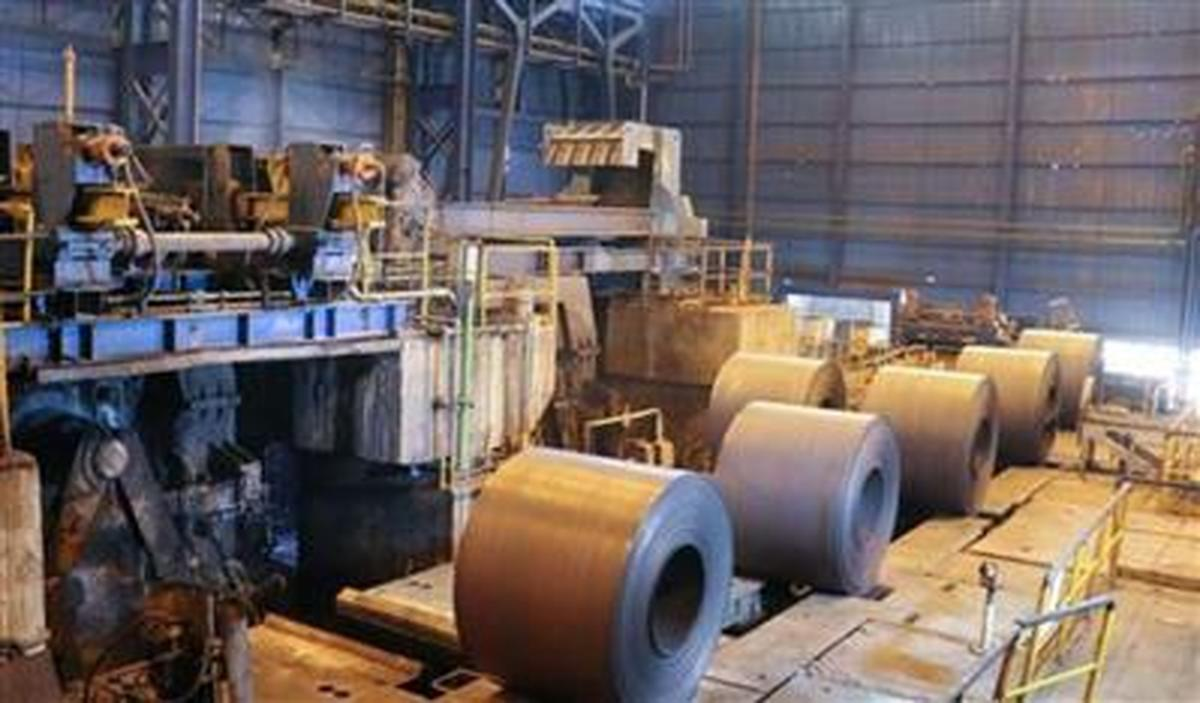 ثبت رکورد روزانه 5 هزار و 123 تن کلاف گرم در مجتمع فولاد سبا