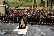 اقامه نماز عید فطر به امامت رهبر انقلاب در مصلای امام خمینی(ره)